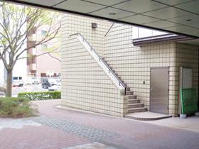 プラーカ2の外階段の写真